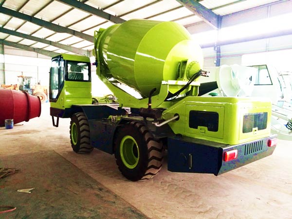 CL4000 self load mixer truck